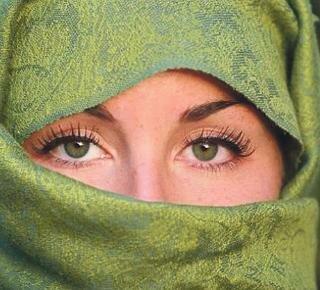 A01+lindhout+eyes.jpg