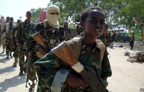 Guerre civile en Somalie - Page 3 Al-shabaab-kid