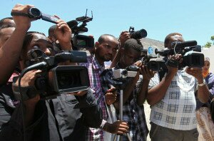 Somali journalists demonstrate against an article appearing in the British paper The Guardian calling them corrupt, in capital Mogadishu
